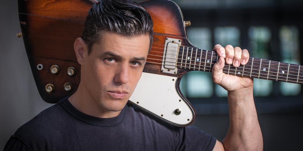 Špičkový kytarista Nick Schnebelen na Malé séně za oponou